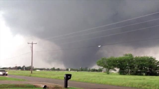 News video: Raw: New Video of Deadly Oklahoma Tornado